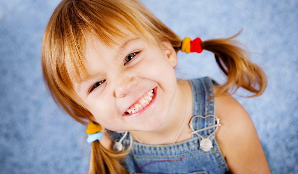 Красивая улыбка ребенка