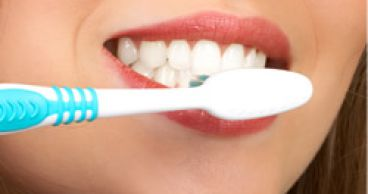 Чистка зубов - как правильно?